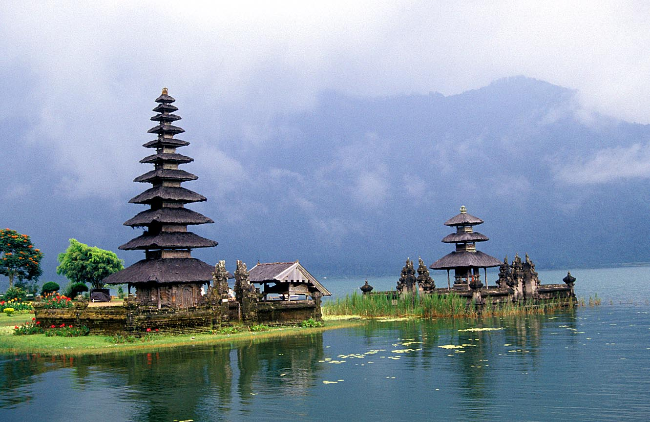 - Tour du lich gia re dao Bali - Indonesia