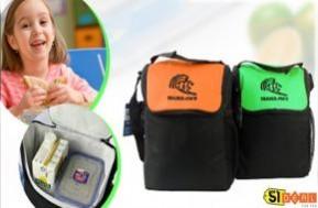 Túi giữ nhiệt Trader Joe's giúp bạn bảo quản thức ăn kết hợp đựng các vật dụng cá nhân. Chỉ với 52.000 đồng cho buổi cơm trưa văn phòng nóng hổi