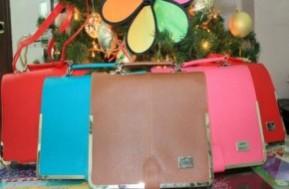 Hãy click mua giỏ xách thời trang Hàn Quốc Color Block để đón đầu xu hướng thời trang thu đông 2012, giúp bạn nổi bật trước đám đông và tôn lên nét cá tính. Giá khuyến mãi 179.000đ cho giỏ xách trị giá 300.000 chỉ trong 03 ngày. - 3 - Thời Trang và Phụ Kiện