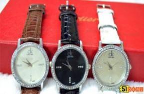 Trẻ trung và cá tính cùng đồng hồ nữ dây da mặt kiểu pha lê. Với mặt kính được thiết kế lấp lánh như 1 viên kim cương kết hợp với dây da nhỏ sẽ làm phái đẹp càng thêm dịu dàng và đáng yêu. Chỉ 89.000đ và chỉ có tại 51deal