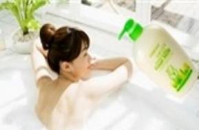 54,000đ cho 1 chai Sữa dê tắm trắng EVERYDAY Goat Milk Nhật Bản 1000ml - cho bạn làn da mịn màng trắng sáng, hương thơm nồng nàn quyến rũ Sản phẩm đặc biệt chuyên dùng cho dịch vụ tắm trắng tại spa
