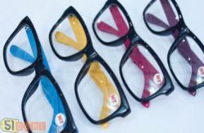 """Cơ hội sở hữu mắt kính với giá ưu đãi cực rẻ từ 51deal, đến với Shop K & T và chọn ngay cho mình một chiếc bạn nhé Sản phẩm nhiều kiểu dáng nhiều phong cách chỉ với 49.000đ, cùng mua và """"làm điệu"""" nào các teen."""