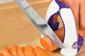 Combo 2 dụng cụ bảo vệ ngón tay Evriholder, giúp bạn thái rau quả một cách nhanh chóng mà không ...