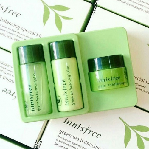 7Deal - Combo Set Duong Da Tra Xanh Innisfree Green Tea