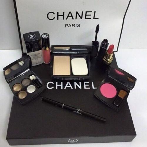Bộ Trang Điểm Chanel 9 Món Cao Cấp Kèm Túi