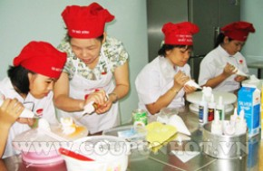 Coupon Hot - Nhom Mua Khoa Hoc Trang Tri Banh Kem So Cap
