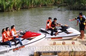 Chèo Thuyền Kayak Và Hồ Bơi Sông Tắc Tại THE BCR: