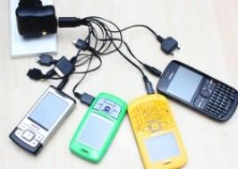 TP. HCM - Tân Bình: Giảm giá 44% - Dụng cụ sạc điện thoại đa năng 10 đầu