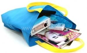 02 túi vải không dệt tiện ích:Không chứa các chất độc hại, bền chắc