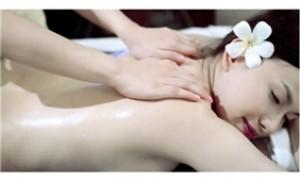 Liệu trình tẩy da chết và tắm dưỡng toàn thân 60' tại Hương Yến Spa