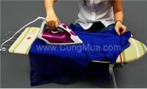 Bàn để ủi quần áo kiểu ngồi Omega tiện dụng cho các bà nội trợ