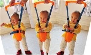 Địu tập đi cho bé MOBY BABY giúp bé giữ thăng bằng dễ dàng hơn