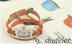 Đồng hồ mặt hình chữ nhật phong cách dây xoắn 2 vòng xinh xắn