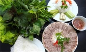 1 phần bắp giò+ đĩa rau rừng+ đĩa bún+ đĩa bánh tráng+ nước ép