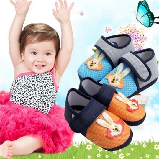 Giày vải cho bé trai và bé gái đáng yêu (2 đôi)
