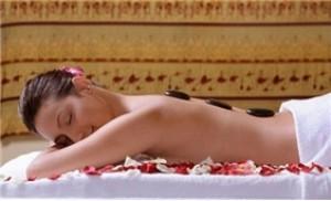 Gói Massage đá nóng + xông hơi - Beauty Flower Spa