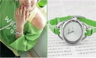 Cực dễ thương và xinh xắn với đồng hồ mặt Ovan dây da thời trang