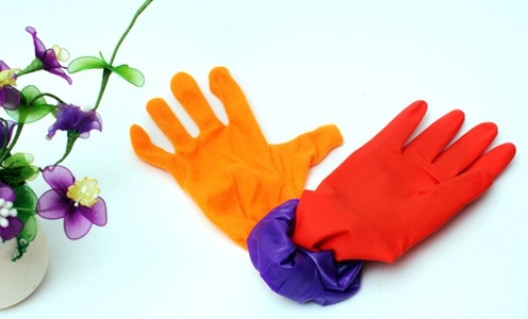 Giữ ấm đôi tay khi làm việc nhà với Combo 02 Găng tay cao su lót nỉ