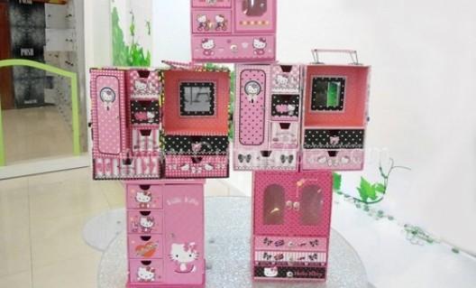Tủ đựng trang sức Hello Kitty