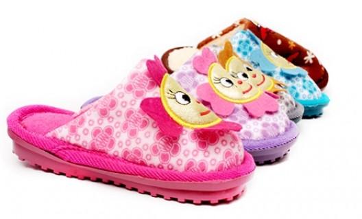 Dép lông trẻ em giữ ấm, bảo vệ đôi chân trong mùa đông