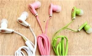 Thưởng thức âm nhạc theo cách riêng với tai nghe kiểu dáng Monster