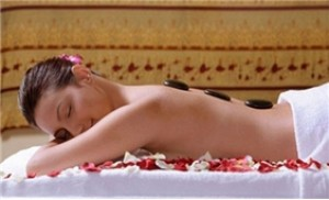 Thư giãn với massage body đá nóng+đắp mặt nạ ngũ cốc-Hoa Mai Spa
