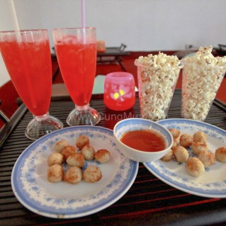 Combo 2 vé xem phim HD, thức ăn và thức uống tại Up HD Movie
