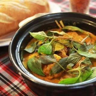 Cá Hoàng Giáp cà ri, bánh mì, nước ngọt - Nhà hàng Hàng Dương
