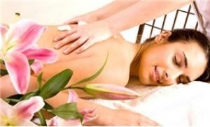 Thư giãn cơ thể và tinh thần với DV Massage body tinh dầu đá nóng