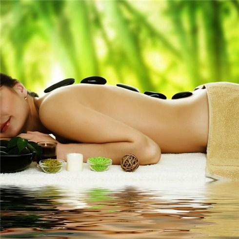 Massage ngồi Nhật Bản và thanh tẩy da mặt tại Hoa Hồng Nhung Spa