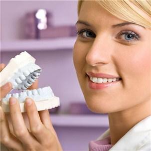 Trồng răng sứ titan tại nha khoa Duyên Việt cho nụ cười rạng rỡ