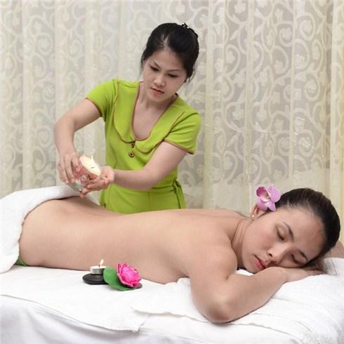 Massage body nến tại Đức Hạnh Spa (Không nhận tiền tip)