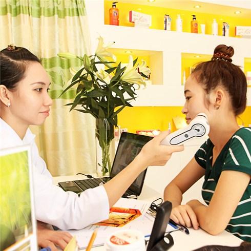 Trị nám bằng cấy vitamin C vào da 120 phút tại Lăn Kim Nhật Bản