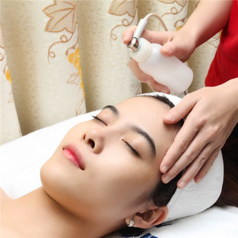 Chăm sóc da phun Oxy, đưa vitamin C, massage foot - La Pensée Spa