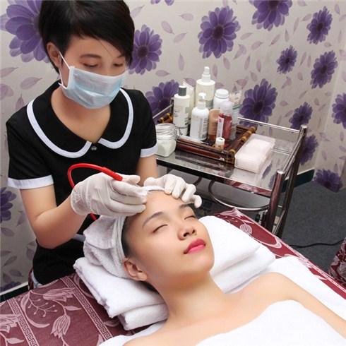Trắng sáng body bằng kén ngọc trai và massage mặt - Thái Oanh Spa