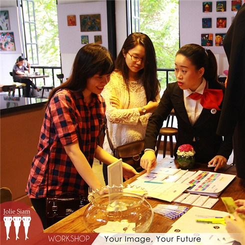 Chọn 3 trong 6 kỹ năng giao tiếp chuyên nghiệp tại Jolie Siam