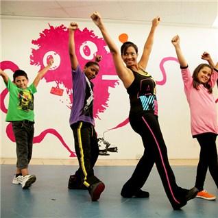 Cùng Mua - Dancesport/Belly dance/Mua hien dai cho thieu nhi - TT Hoai Nam