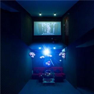 Cùng Mua - 2 gio xem phim HD + 2 bap rang bo cho 2 - 4 nguoi tai Cafe Cinema