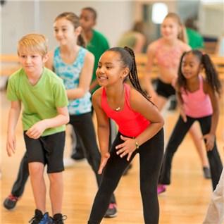 Cùng Mua - Khóa học khieu vũ thẻ thao mùa hè 3 thang - CLB Rạch Miẽu