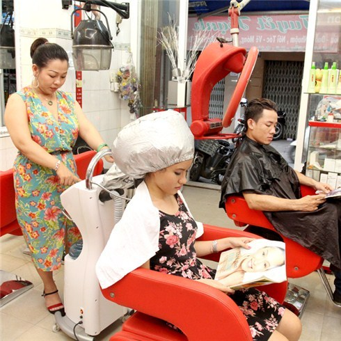 Phục hồi điều trị tóc bằng công nghệ phủ nano tại Salon Hạnh