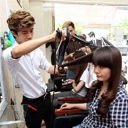 Làm tóc trọn gói + 1 lần ủ phục hồi hư tổn - Hair Salon Huệ