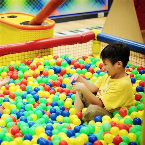 Vé vào cổng và tham gia tất cả trò chơi tại Hệ thống Kidsyard