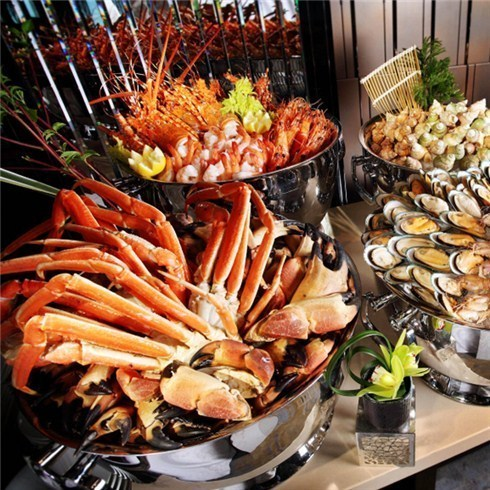 Buffet tối lẩu và hải sản nướng thả ga - New Pacific Hotel 4*