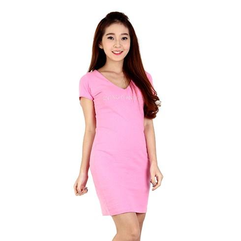 Đầm thun ôm họa tiết chữ đính đá - màu hồng nhạt