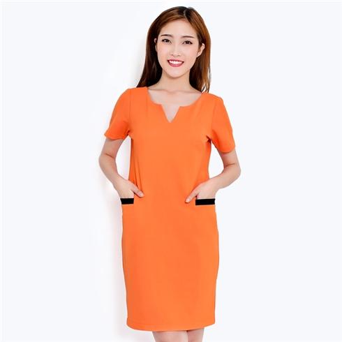 Đầm suông cổ V hai túi trước màu cam - Minh Anh
