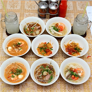 Cùng Mua - Combo 8 to mi+2 nuoc cho 2 nguoi - Eight Boat Noodle Sai Gon
