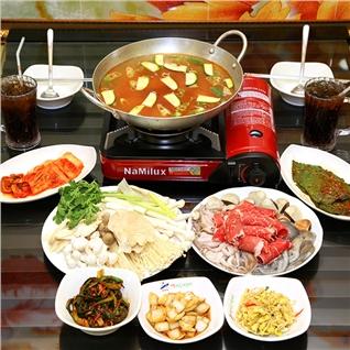 Cùng Mua - Lau nam hai san Han Quoc + 2 ly coca/nuoc cam tai Chi-Ri-San