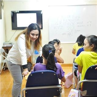 Cùng Mua - Khoa hoc Tieng Anh lay lai can ban tai C va E Center (15 buoi)