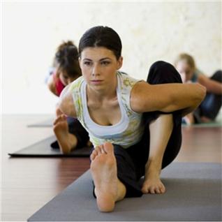Cùng Mua - Khoa hoc Yoga 6 buoi tai CLB Yoga Newlife