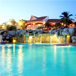 Cùng Mua - Phu Hai Resort dang cap 4* Mui Ne + BBQ Live show Mr. Dam